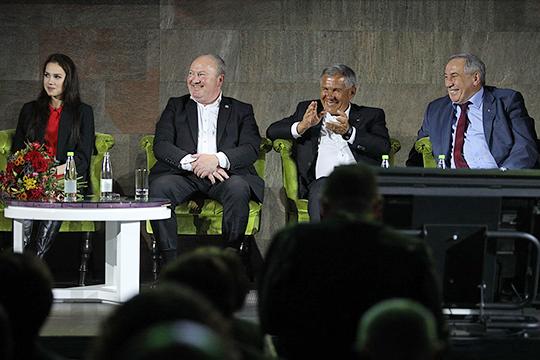 В московском «Корстоне» состоялся V молодежный форум «Мост Москва – Татарстан» с участием Рустама Минниханова и успешных в разных областях представителей татарского народа