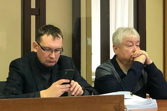 Впервые за несколько заседаний в процесс вмешался и адвокат Мусина Алексей Клюкин, он заявил ходатайство об оглашении показаний свидетеля со следствия и сам задавал вопросы