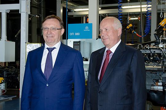 Заручившись поддержкой Сергея Чемезова (справа), одного из самых близких к Путину людей, гендиректор КАМАЗа в итоге стал пользоваться и личным доверием президента России