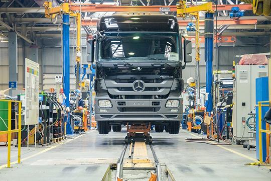 «Да, они продали нам свою кабину. Но Daimler не может определять внутреннюю политику КАМАЗа в силу небольшого пакета. Так что мы для Daimler убыточны»