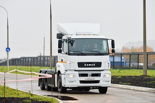 Суть проекта «Каматейнер» заключалась в перевозке грузов методом эстафетной доставки с помощью универсального съемного кузова-контейнера. Однако проект благополучно сдулся