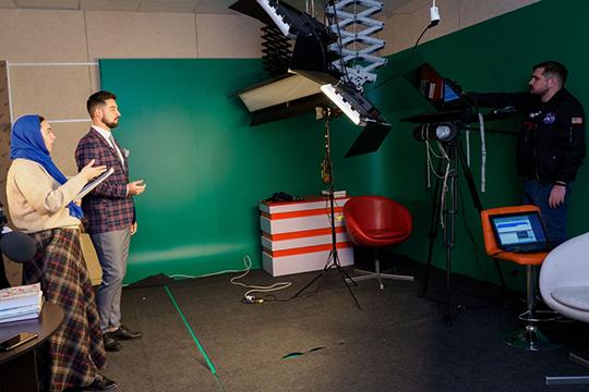 «Если мыхотим выйти нафедеральный уровень, мыобязаны создавать контент наязыке целевой аудитории»