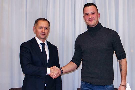 В клубе формируется мощный спортивный отдел, которого не было многие годы. Спортивным директором назначен Олег Яровинский, работавший со Слуцким в ЦСКА
