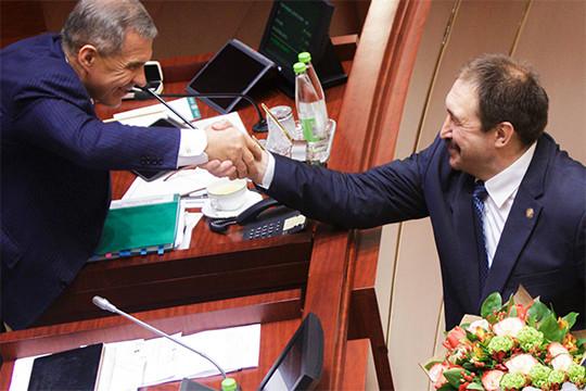 Алексей Песошин остается серьезной опорой для Минниханова. При этом заметно усиливаются позиции первого вице-премьераРустама Нигматуллина