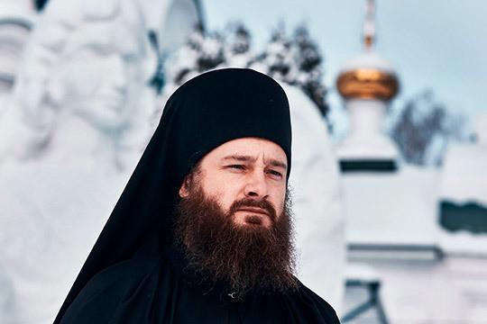«От настоятеля монастыря — отца Гавриила — нареканий не было, он вообще в еде неприхотлив и ест то, что едят остальные»