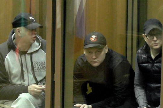 Нижнекамск уже был поделен между криминальными структурами, главную силу представляли бойцыАлександра Мамшова (слева)изодноименной «мамшовской» ОПГ