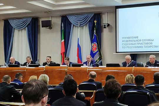 На 4 млрд рублей, то есть на четверть больше средств удалось «выбить» из должников в Татарстане. Таков итог первого года работы на нынешнем посту главного пристава РТ Игоря Безуевского