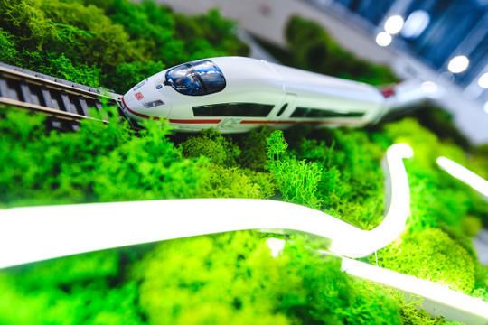 От Белоусова Татарстан ждет определенности минимум по четырем транспортным проектам. Первый из них — ВСМ «Москва — Казань»