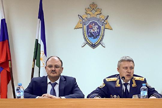 Липский так и не стал постоянным руководителем управления СКР по Башкортостану. В сентябре 2019 года его возглавил бывший главный следователь Челябинской области Денис Чернятьев (справа)