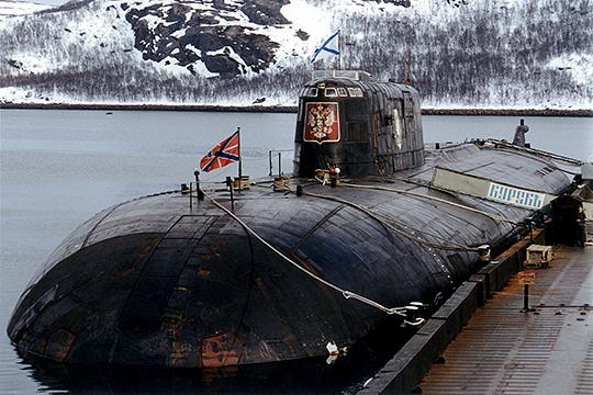 В 2001 году молодой следователь Липский работал в группе, которая разбиралась в причинах трагической гибели подводного ракетоносца «Курск»
