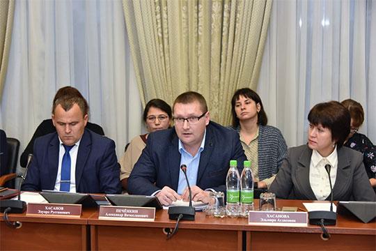 Александр Печенкин: «Унас были случаи, когда автобусы, доезжая досела, где плохая дорога, разворачивались иуезжали»