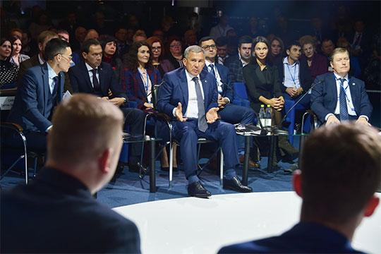 Помощи всокращении границ скотомогильников попросили уРустам Минниханов назаседании совета попредпринимательствуРТ