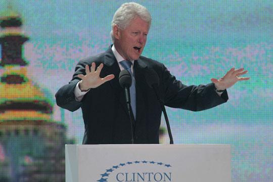 «Клинтон— никакой не«ястреб», асаксофонист, которого выдвинула вовласть определенная группировка»