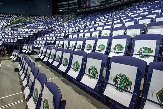 Год назал у «зелёного дерби» появился свой логотип и эксклюзивная линейка атрибутики