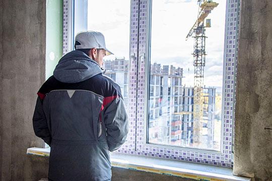 Минстрой РФ внес проект постановления правительства, согласно которому избежать перехода на новые правила смогут многие уже начатые проекты, а также проблемные дома обманутых дольщиков