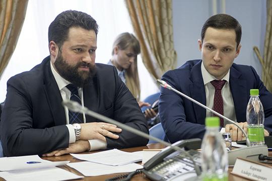 Сергей Лобанов (слева)рассказал, что новым законопроектом взаконодательное поле вводится понятие так называемой «развозной торговли»