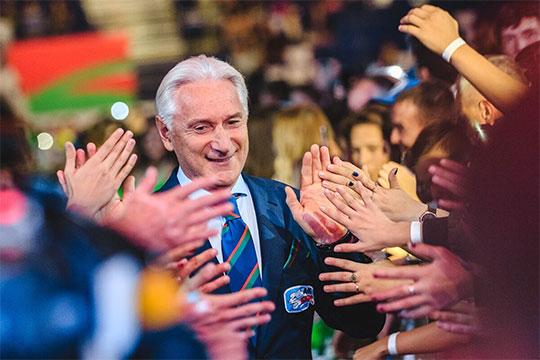 По сути, клуб таким образом хочет поблагодарить своих болельщиков за поддержку по ходу сезона поддержать их дух и извиниться перед ними за вылет в первом раунде Кубка Гагарина
