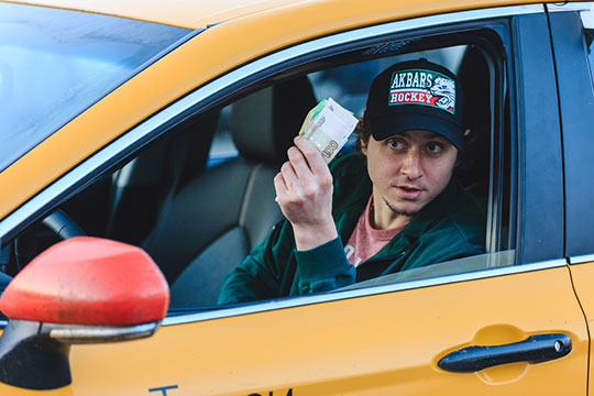 «АкБарс» и«Яндекс.Такси»: хоккеисты пять часов катались погороду