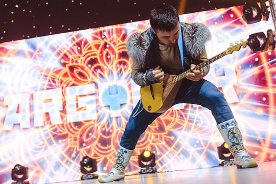 В минувшие выходные концертом в казанской «Пирамиде» стартовал фестиваль татаро-башкирской эстрады «Дуслык күпере»