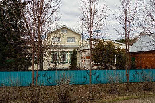 Вначале февраля 2019 года терпение односельчан лопнуло иони пошли к дому Закирова. Всего, пословам очевидцев, около дома собралась толпа изпорядка 100 человек. Нодоговориться не удалось...