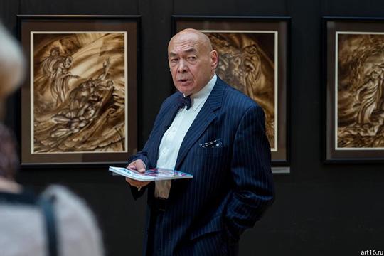 Надир Альмеев— один изсамых известных татарстанских художников-графиков