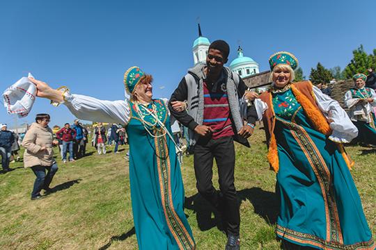 «Бессмысленно ставить каждому из85 регионов цель— принять столькоже туристов, сколько Краснодарский край, Москва или Питер. Это непотому, что они лучше или хуже. Просто укаждого разная целевая аудитория ипотенциал»