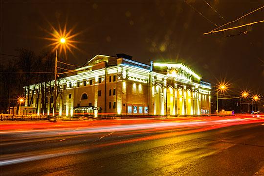 «Ночная подсветка не обязательно должна подчеркивать и в точности повторять дневной облик города, района или отдельного здания»