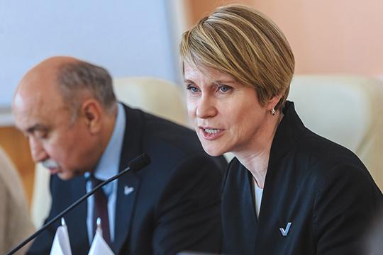 Елена Шмелева говорила про общие принципы, накоторых работает ОНФ, ипопросила присутствующих высказать конструктивные предложения иобоснованную критику