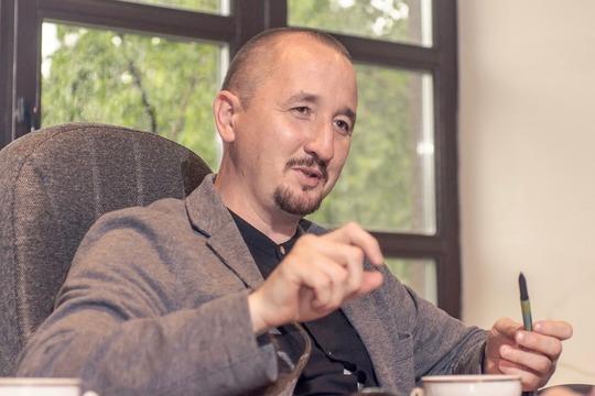 Артур Тагиров:«Кризис— это бурная река, вкоторой можно наловить много рыбы, проявив особую сноровку. Рыбы вкризис меньше нестановится, просто нужны другие снасти»