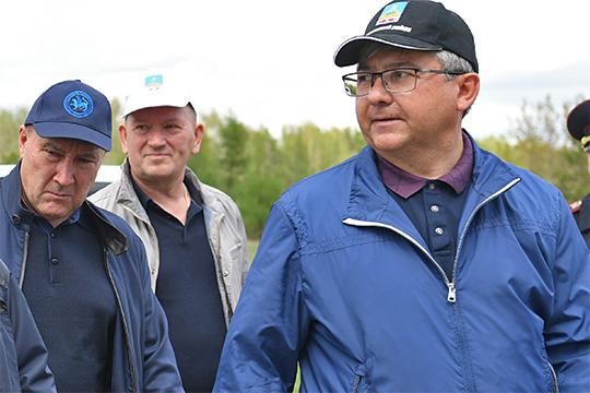 Главу Лаишевского района Михаила Афанасьева, которому в январе исполнилось 48 лет, называют едва ли не самым подготовленным кадром из всех перечисленных