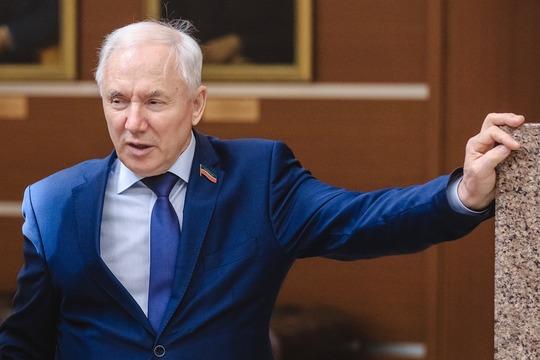 Как дал понятьРинат Закировкорреспонденту БИЗНЕС Online, совмещать политику ирешение национальных вопросов больше несобирается