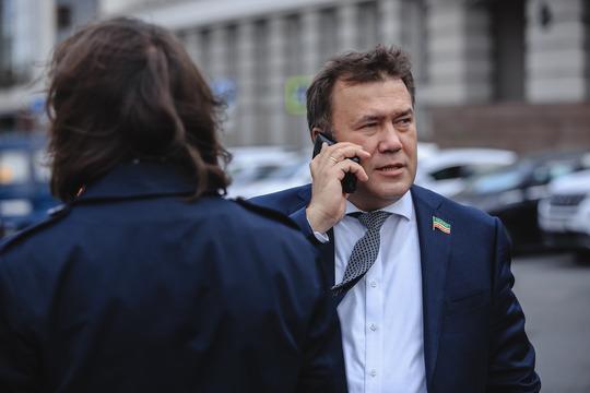 Мистахов сейчас с головой ушел в многотрудное дело формирования корпорации, да еще и оказался вовлечен в коррупционный скандал с участием высоких чинов минобороны РФ