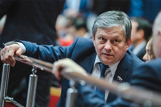 В первый раз об юношеских играх в Казани задумались ещё в 2010 году. Тогда провести турнир предлагал депутат Госдумы РТ Марат Бариев
