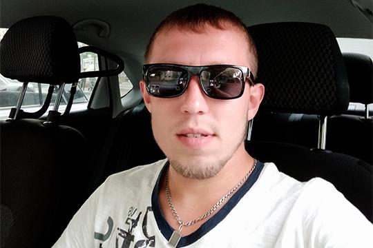 Требования остановиться Владислав Селиверстов (на фото) проигнорировал. Более того, наехал на сотрудника ППС по фамилии Газдалиев, прокатив его на капоте машины