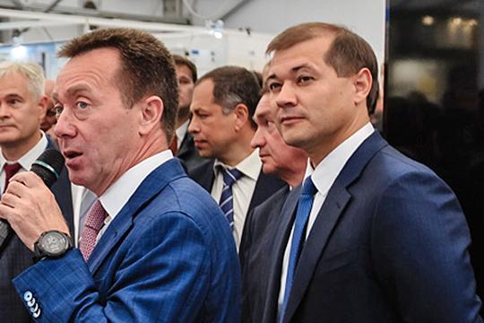 Вкулуарах нефтегазового форума гендиректор ТАИФаРуслан Шигабутдинов (справа)игендиректор НКНХАзат Бикмурзин (слева)высказывали крайнее удивление, услыхав осделке «Татнефти» и«Сибура».