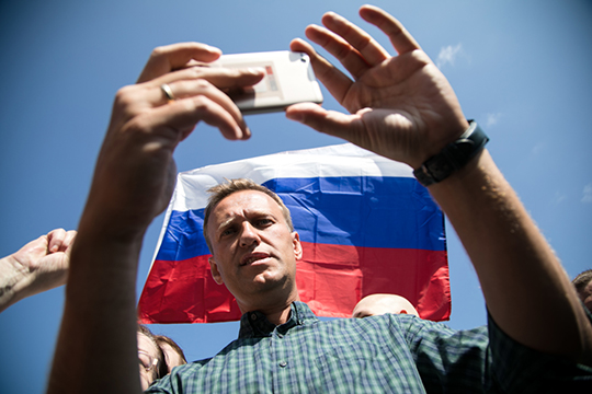 «Есть ощущение, что власть не хочет, чтобы оппозиционеры, тот же Навальный, появлялись на первом канале»