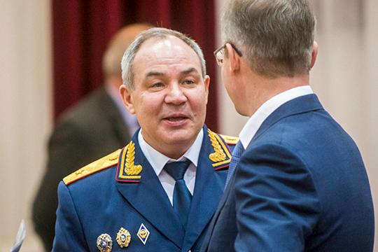 Как стало известно «БИЗНЕС Online», с сегодняшнего дня отстранен от работы исполняющий обязанности руководителя СКР по РТ, генерал-майор юстиции Марат Зарипов