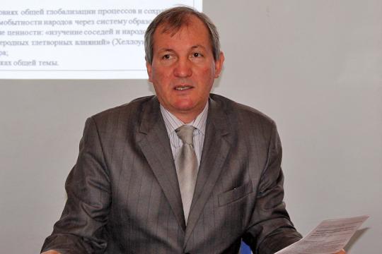 Вел дискуссию председатель Общества русской культуры РТ Михаил Щеглов