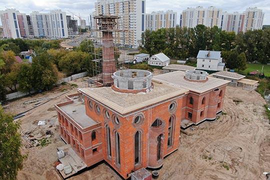 Высокий минарет будущей мечети будет заметен издалека, став настоящим маяком для странствующих, гости смогут сделать остановку ипомолиться вкомфортных условиях
