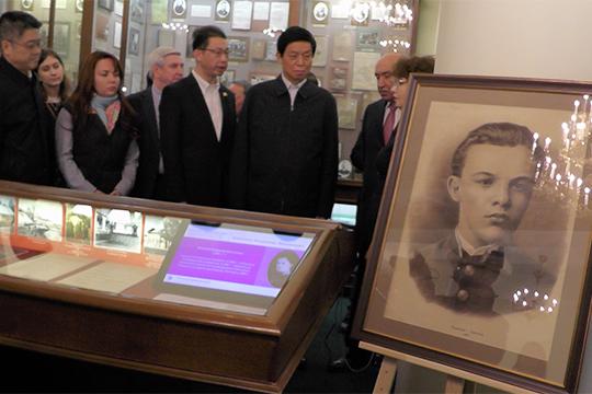 «Для китайской стороны очень важно, что у нас обучался Ленин. На базе КФУ с 2007 года работает Институт Конфуция, мы создали центр обучения китайскому языку»