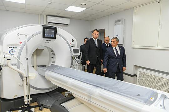 «При поддержке попечительского совета КФУ, который возглавляет президент РТ Рустам Нургалиевич Минниханов, удалось неплохо реконструировать здания наших медицинских подразделений и оснастить их оборудованием»