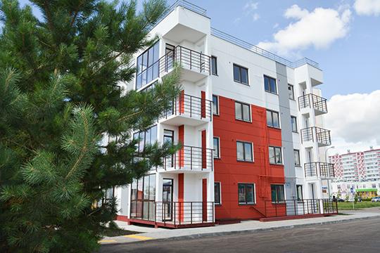 «В«Красных Челнах» унас построен четырехэтажный одноподъездный дом17А-3-15 синдивидуальными котлами отопления, кладовыми идвором, закрытым отмашин»