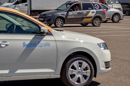 Крайне недоволен Хохорин оказался службами такси и каршерингом: в этом году к ответственности были привлечены более 300 водителей такси.Зафиксированы случаи перевозки наркотиков в Казани на автомобилях каршеринга