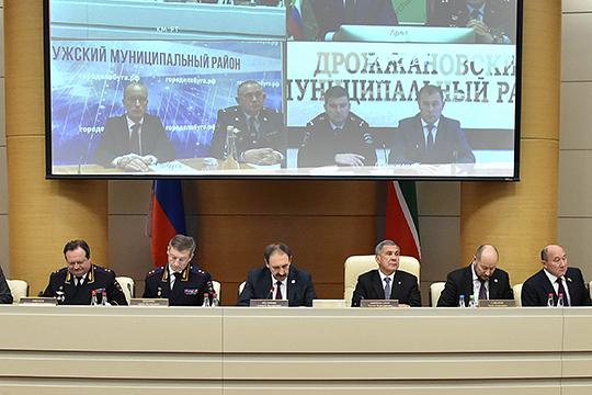 Накануне главы районов, министерств и ведомств Татарстана заслушали доклады о мерах по повышению безопасности дорожного движения в республике