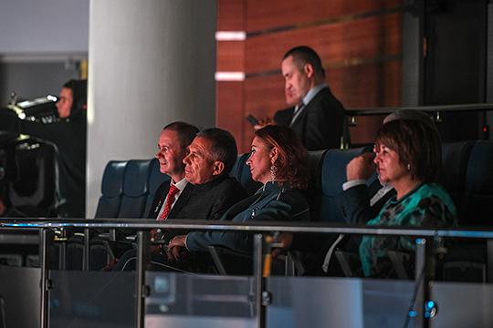 Рустам Минниханов на юбилейный концерт пришел традиционно вместе с супругой