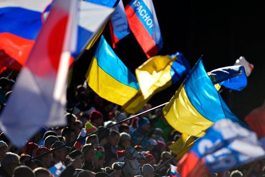 «В поле зрения может также попасть Украина, находящаяся, по словам Хазина, на грани распада. По оценке экономиста, области от Харькова до Одессы войдут в Россию, как и было всегда»