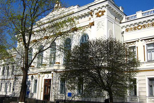 «В мою бытность студентом, Харьковский юридический институт обладал огромным научно-педагогическим потенциалом»