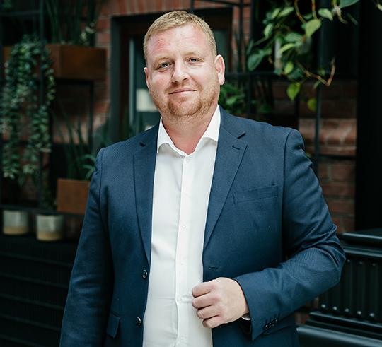 Антон Вассерман: «Все операции по покупке недвижимости, включая регистрацию прав по договору долевого участия и выдачу ипотечного кредита, проводятся в офисе продаж застройщика. Это первый подобный проект в Татарстане»