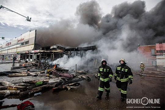 С августа 2013 года до 2015 годаДинар Заляловзанимал должность замгендиректора ООО «Заря» – того самого печально известного арендатора сгоревшего ТЦ «Адмирал»