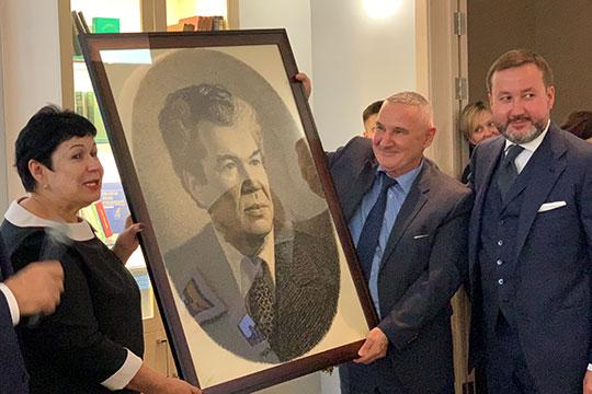 «Он помогал нашей семье в самое тяжелое время»: Каримов обещает поддержать Хабирова